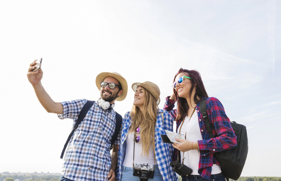 9 Free Social Travel Sites To Meet Travel Friends