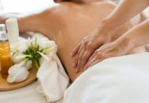 How Couples Massage Rejuvenates Relationship