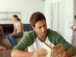 5 Best Ways to Deal with a Roommate