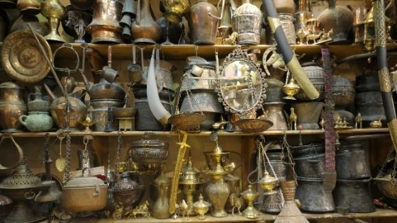 8 Tips for Antique Shopping