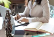 How Can a Compensation Lawyer Help You in a Medical Negligence Case