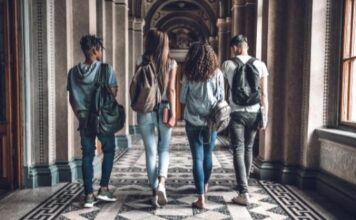 BBA Colleges in India - 4 Key Attributes to Look For in 2021